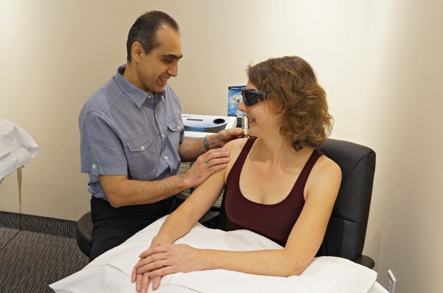 Therapeutic-Laser-Technique---Dorval-Physiotherapy-in-Oakville